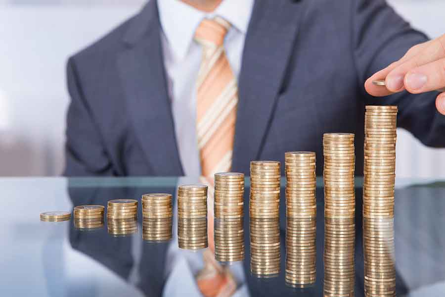 Dealing With an Insurace Adjuster Counting Pennies