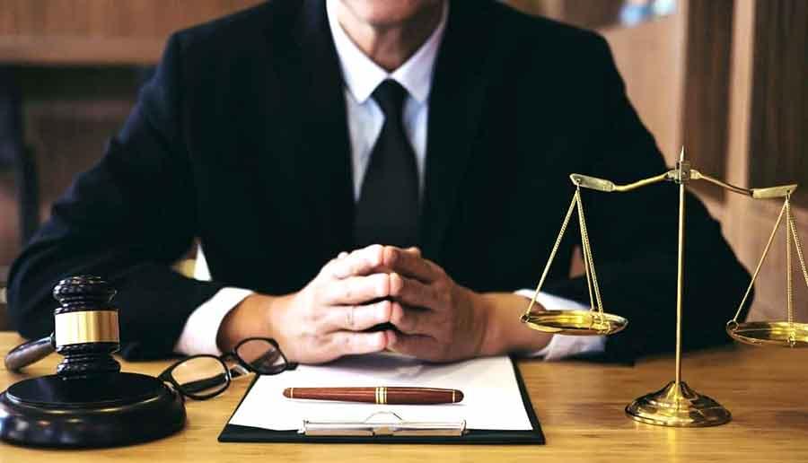 When to Hire a Public Adjuster - Attorney vs Public Adjuster